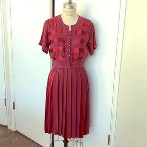 Vintage 1930s skirt set, pleated skirt & top.